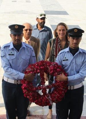 Cassie lying wreath in Pakistan